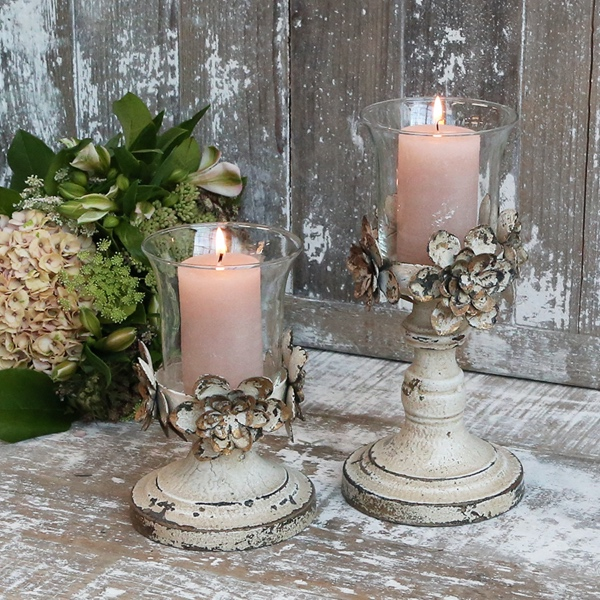 Candleholder with Flower Decor